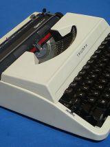 machine  a  ecrire Triumph tippa deluxe, vintage
