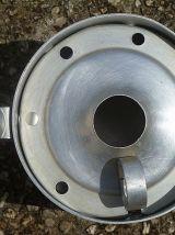 Pot a  lait Aluminium Ancien