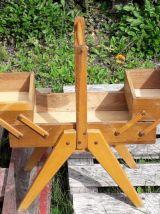 Travailleuse pieds compas en bois