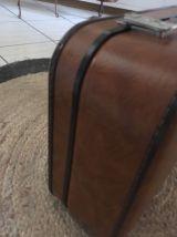 Valise marron camel des années 70.
