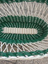 Panier,corbeille en scoubidou vert et blanc