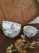 Deux bols, une tasse Orient-Express.