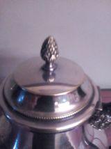 théière en métal argenté, décor perlé