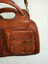 Sac vintage cuir authentique couture impeccable