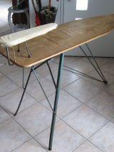 TABLE A REPASSER JEANNETTE LIBELLULE 1950 Dans son jus.