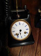 Lampe telephone et horloge/detournement d'objet/recyclage