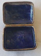 boite en cloisonné fond marron déco bleu