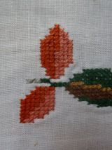Nappe brodée à la main 143 x 146 cm, 6 serviettes 43 x 43 c