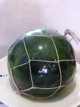 Deux boules en verre soufflée verte, flotteurs de peche