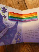 What Makes A Rainbow (Magic Ribbon) livre éducatif animé