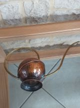 Arrosoir en cuivre martele
