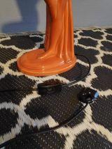 lampe céramique femme nue marron orangé et opaline blanche