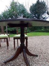 Guéridon et ses 4 chaises  style art déco
