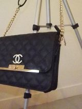 sac a main .CHANEL . authentique comme neuf