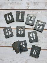 Lot de 9 pochoirs en zinc