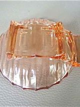 4 coupelles en verre rose