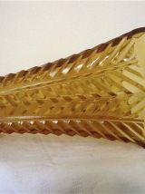 Vase ambre en verre moulé