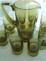 Grand pichet et 8 verres sur pied design