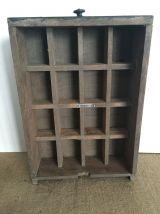 Ancien tiroir à compartiments