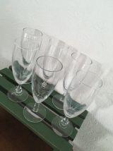 Six flutes assorties.