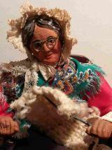 Ancien santon La tricoteuse estampillé Huguette Devillaine