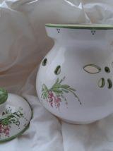 Pot en céramique  et son couvercle