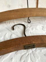 Paire de cintres anciens