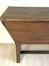 Coffre en bois ancien