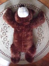 Grand ours en peluche