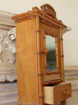"""Ancienne armoire de poupée modèle """"bambou"""""""
