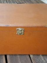 Valise ancienne avec 4 compartiments