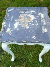 Ancien guéridon - Bout de canapé patiné
