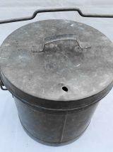 Poubelle en zinc ancienne