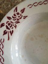 6 assiettes creuses anciennes fleuries .