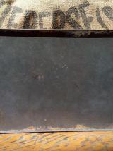Ancienne boite en tôle lithographiée