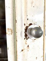 Armoire à pharmacie vintage en métal