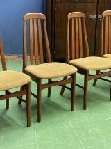 Suite de 4 chaises des années 70 en teck