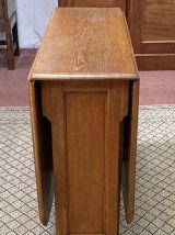Table pliante en chêne blond des années 1930