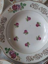 """8 assiettes à soupe KG Lunéville Modèle """" Roses """""""