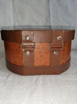 Ancienne valisette en carton, boîte à chapeau
