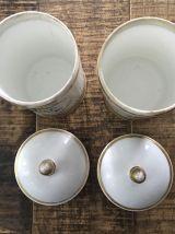Lot 2 pots apothicaire porcelaine dure 18ème