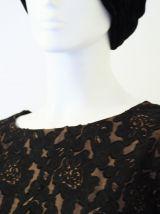 Petite robe courte dentelle motifs baroques babydoll vintage
