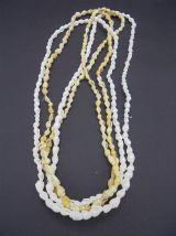 Paire de colliers de coquillages