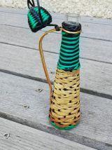 Petit flacon vintage tressé rotin et plastique
