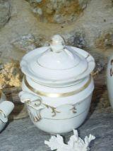 Lot de 3 sucriers pots ménagers en porcelaine blanche et or