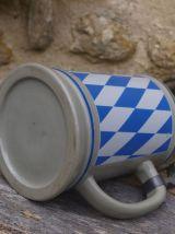 Ancienne chope à bière bavaroise en grès