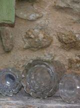 3 saupoudreuses sel-poivre-sucre anciennes en verre taillé