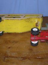 Ancien jouet Tonka: camion Car Carrier  longueur