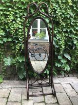 Grand miroir rotin sur pied