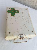 Boîte à pharmacie vintage